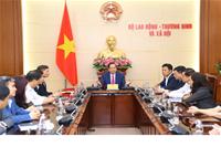 Lễ trao Quyết định nghỉ hưởng chế độ bảo hiểm xã hội đối với đồng chí Đào Quang Vinh và trao Quyết định bổ nhiệm Viện trưởng Viện Khoa học Lao động và