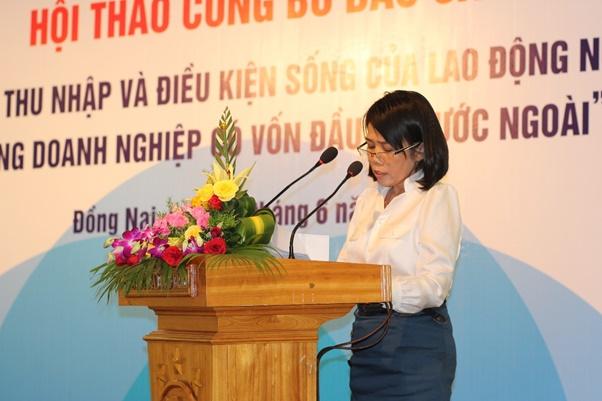 Bà Nguyễn Phước Mạnh, Phó chủ tịch Liên đoàn Lao động tỉnh Đồng Nai tham luận tại hội thảo